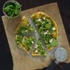 Opskrift: Vegetarisk pizza med squash og rucola