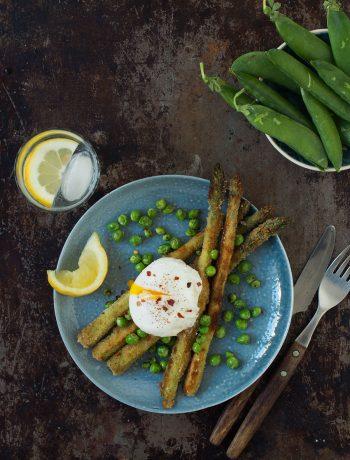 Opskrift: Paneret asparges og pocheret æg| Frk. Kræsen