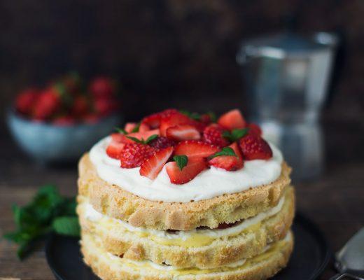 Opskrift: Jordbærlagkage | Frk. Kræsen