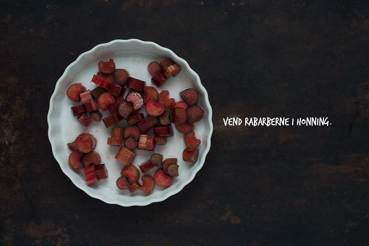 Opskrift: Vaniljeis med rabarber-swirl | Frk. Kræsen