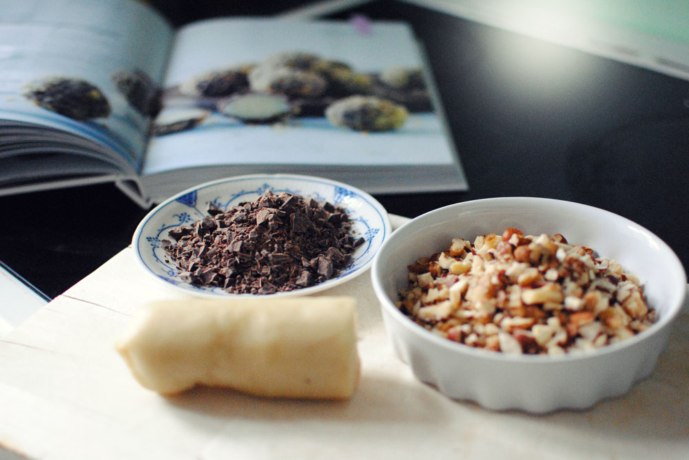 Opskrift: Konfekt med chokolade, marcipan og valnødder   Frk. Kræsen