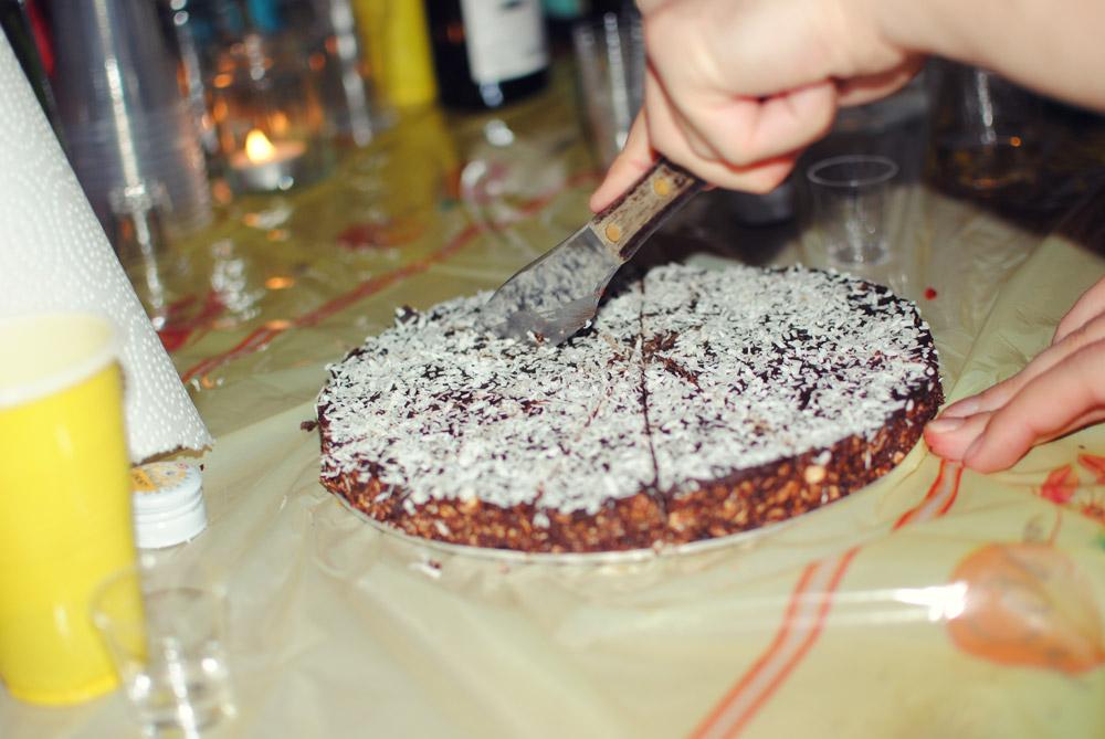 Opskrift: Havregrynskugler i kage-format | Frk. Kræsen