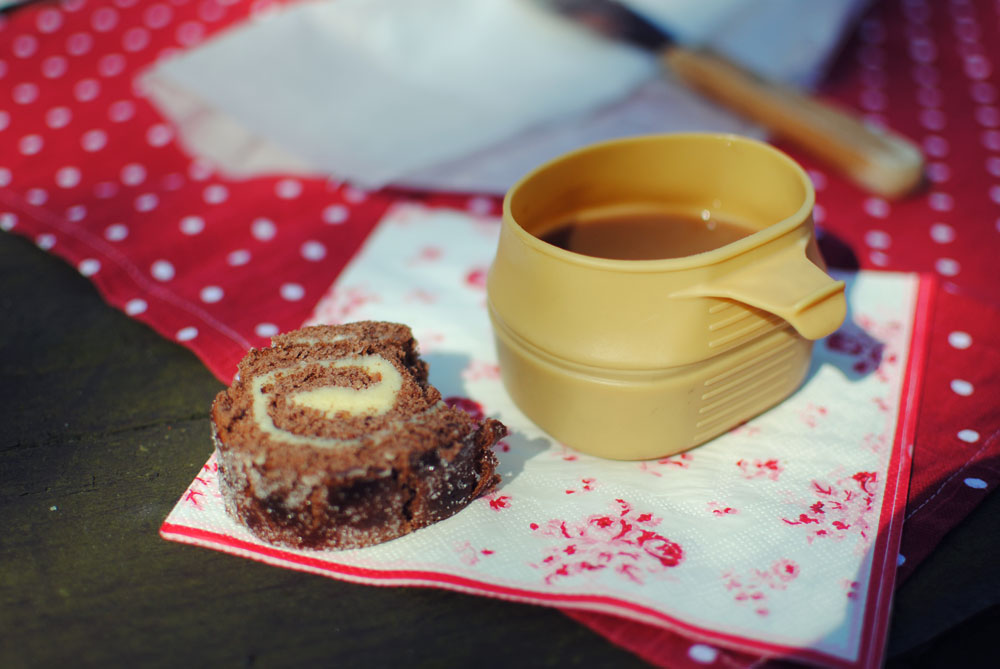 Opskrift: Chokolade-roulade med smørcreme   Frk. Kræsen