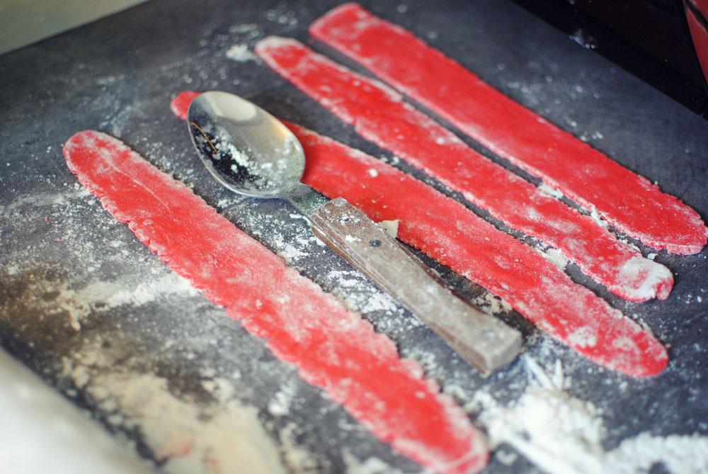 Opskrift: Lagkage med rabarber | Frk. Kræsen
