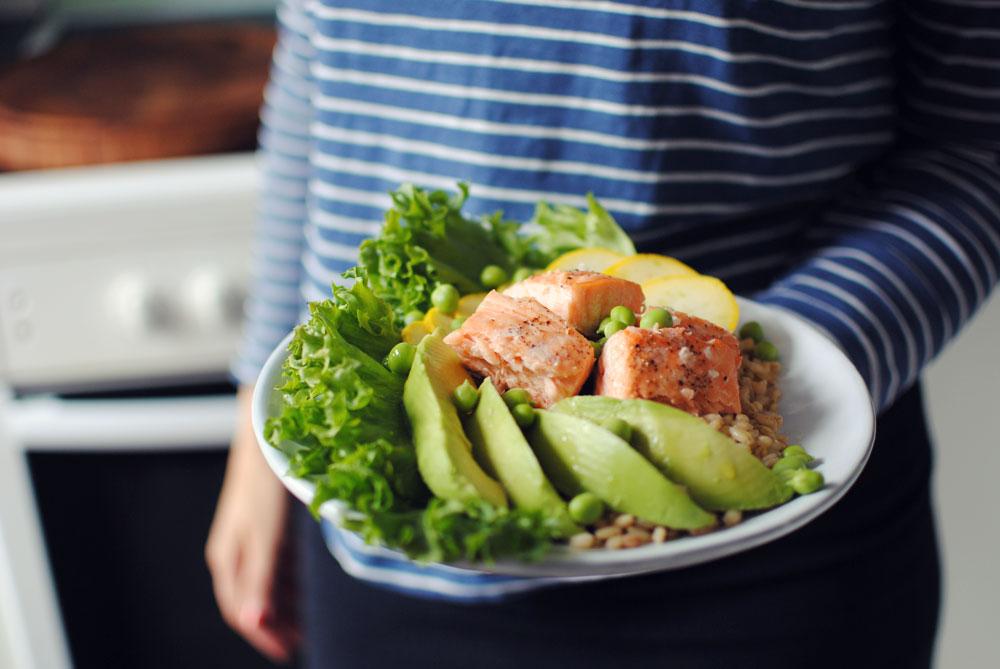 Opskrift: Salat med laks | Frk. Kræsen