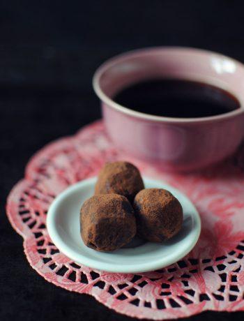 Opskrift: Dadelsnacks med lakrids | Frk. Kræsen
