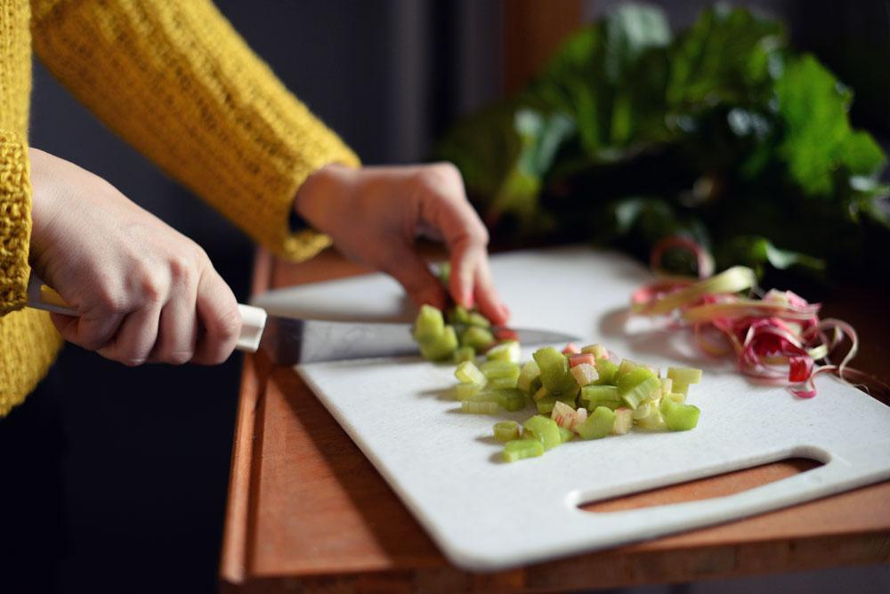 Opskrift: Mini-pandekager og rabarberkompot | Frk. Kræsen