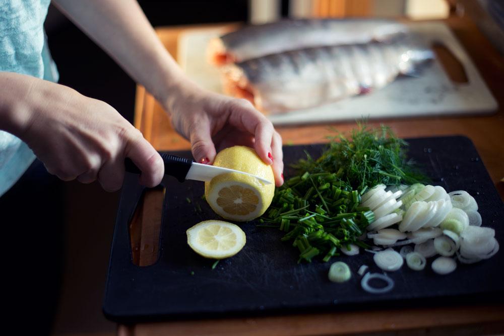 Opskrift: Hel grillet fisk | Frk. Kræsen