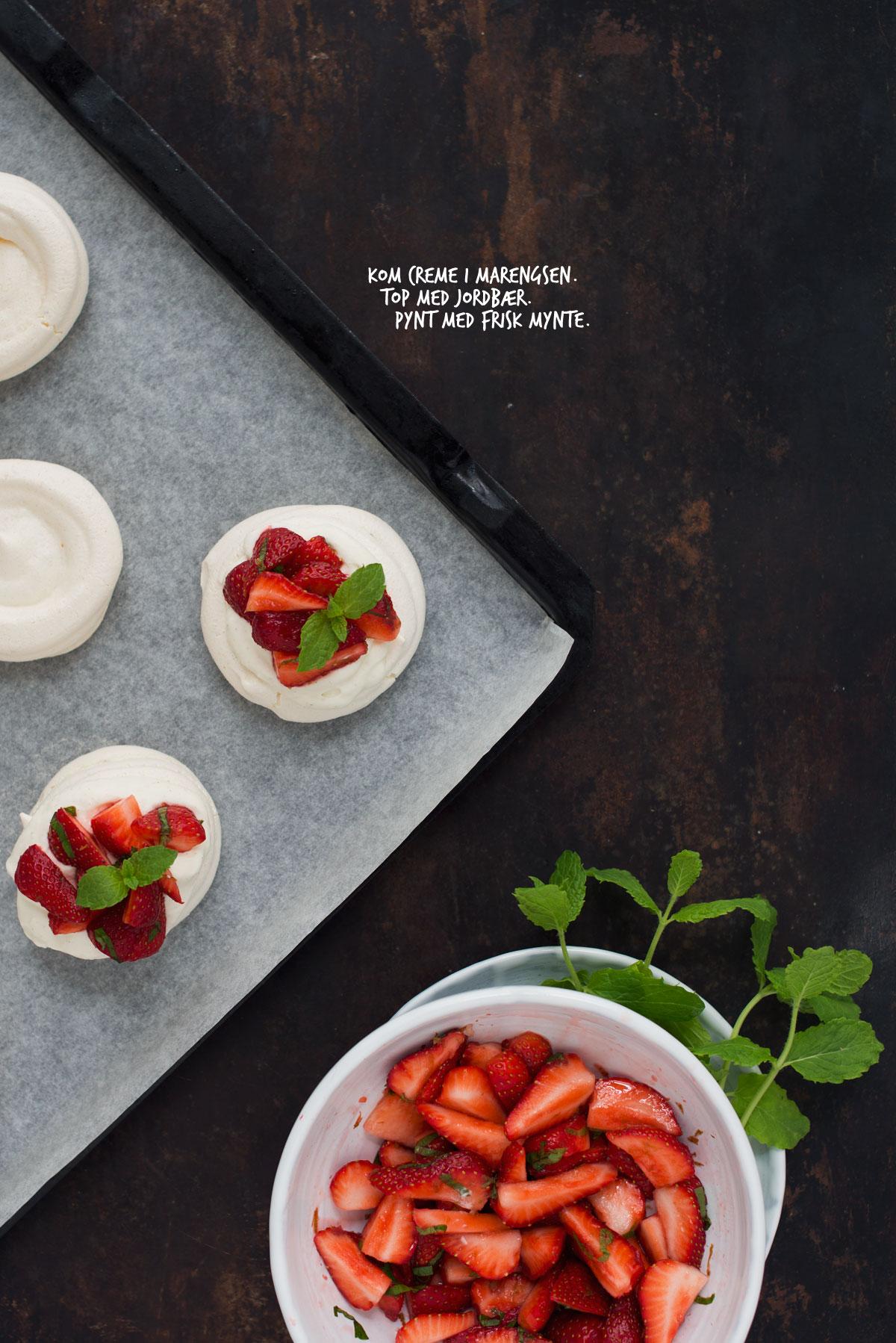 Opskrift: Mini-pavlova med jordbær