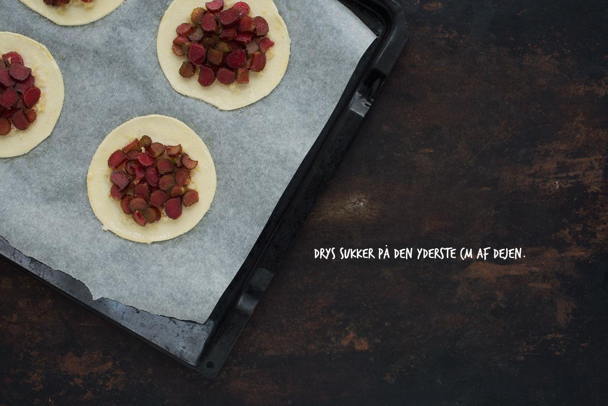 Opskrift: Rabarbertærte med butterdej