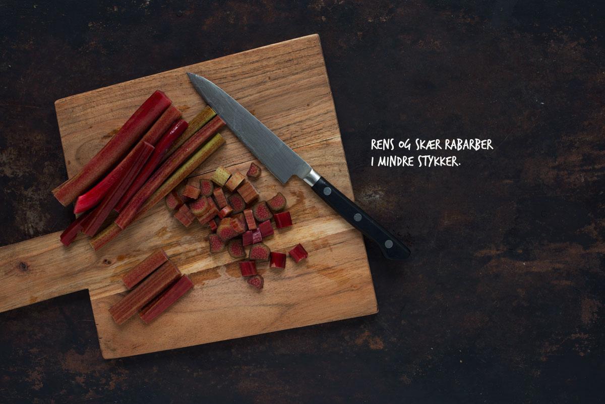 Opskrift: Havregrød med bagte rabarber | Frk. Kræsen