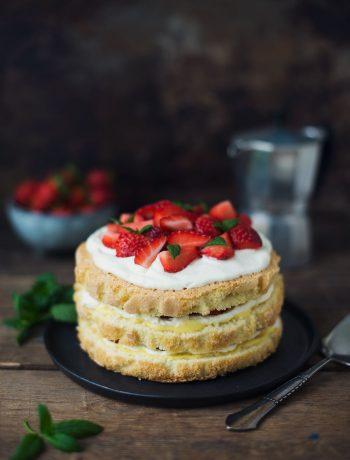 Opskrift: Svensk jordbærlagkage | Frk. Kræsen