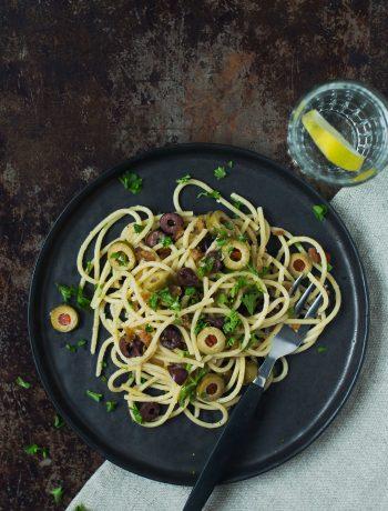 Opskrift: Vegetarisk pasta med oliven | Frk. Kræsen
