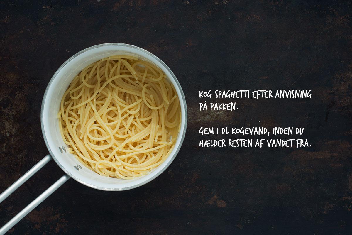 Opskrift: Vegetarisk pasta med oliven | Nem og lækker pastaopskrift