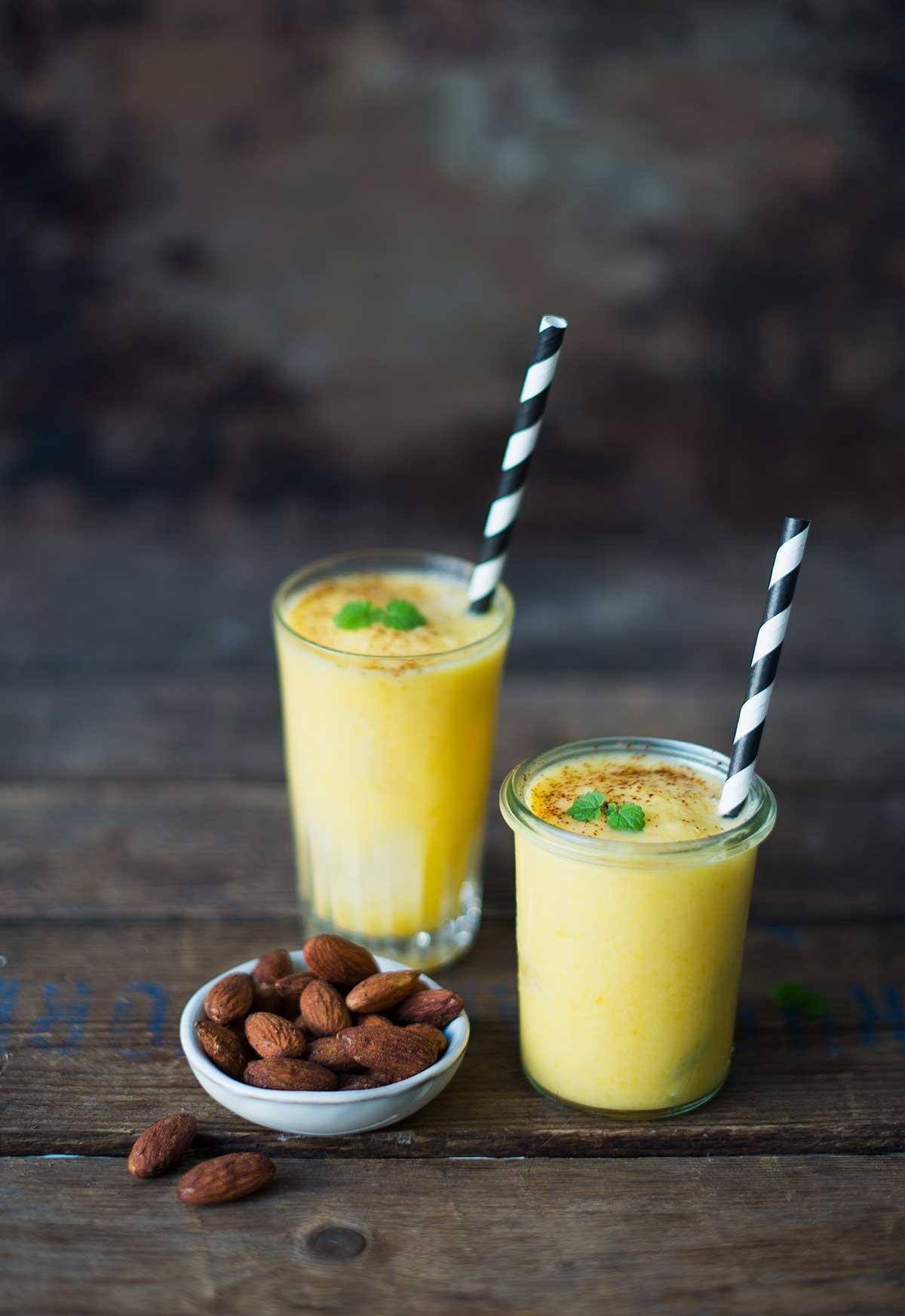 Opskrift: Frozen mango lassi med rom | Frk. Kræsen