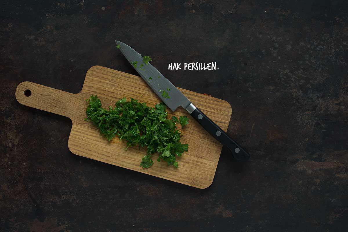 Opskrift: Råkostsalat med rødkål, gulerødder og tranebær | Frk. Kræsen