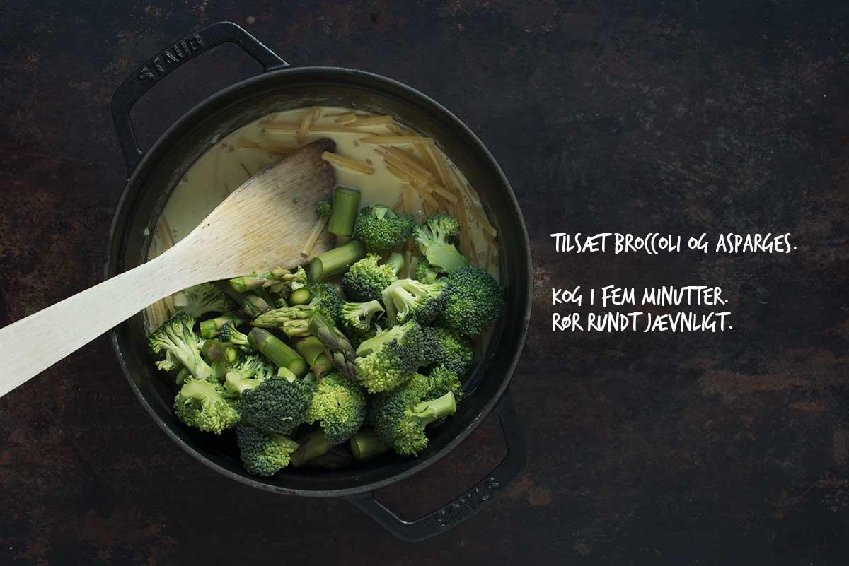 Opskrift: Vegetarisk one-pot-pasta med broccoli og asparges | Frk. Kræsen