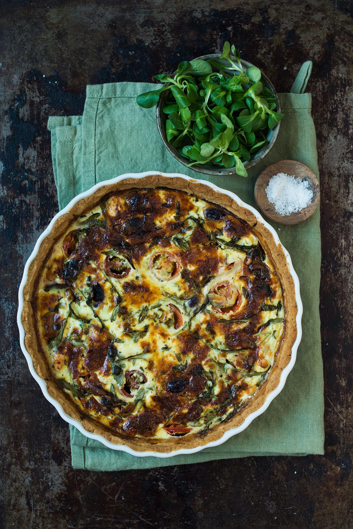 Opskrift: Tærte med kylling, cherrytomater og fetaost | Frk. Kræsen