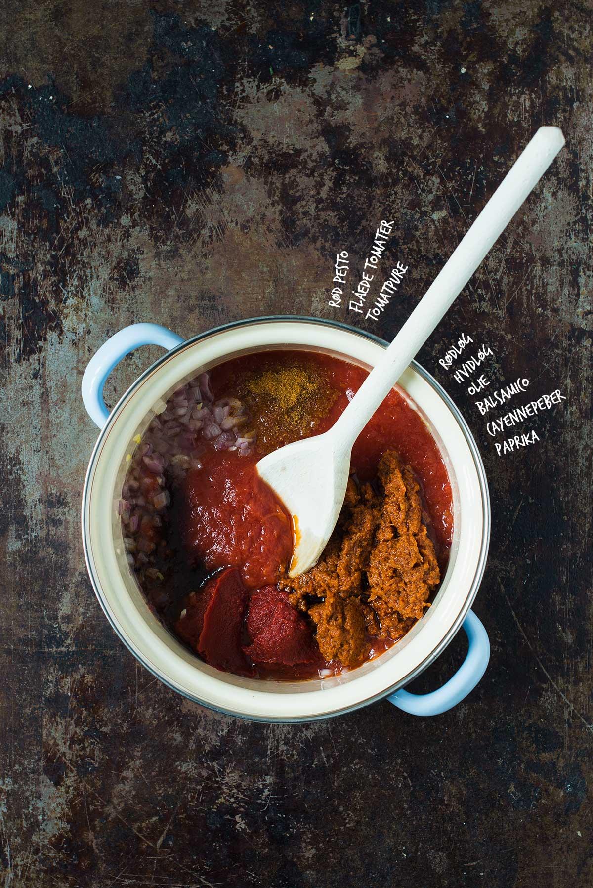 Opskrift: Pasta med tomatsovs | Frk. Kræsen