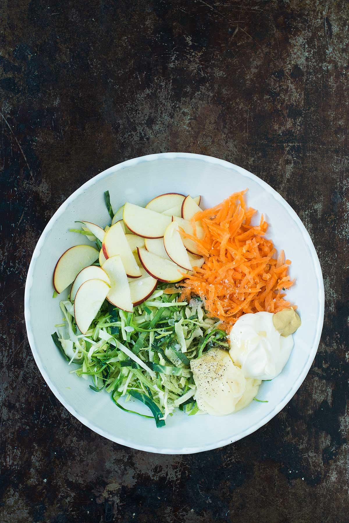 Opskrift: Burger med svinekotelet og coleslaw | Frk. Kræsen