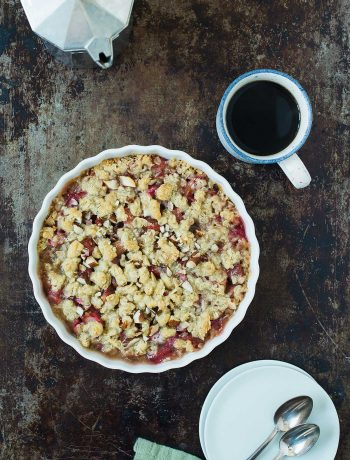 Opskrift: Vegansk og glutenfri rabarbercrumble | Frk. Kræsen